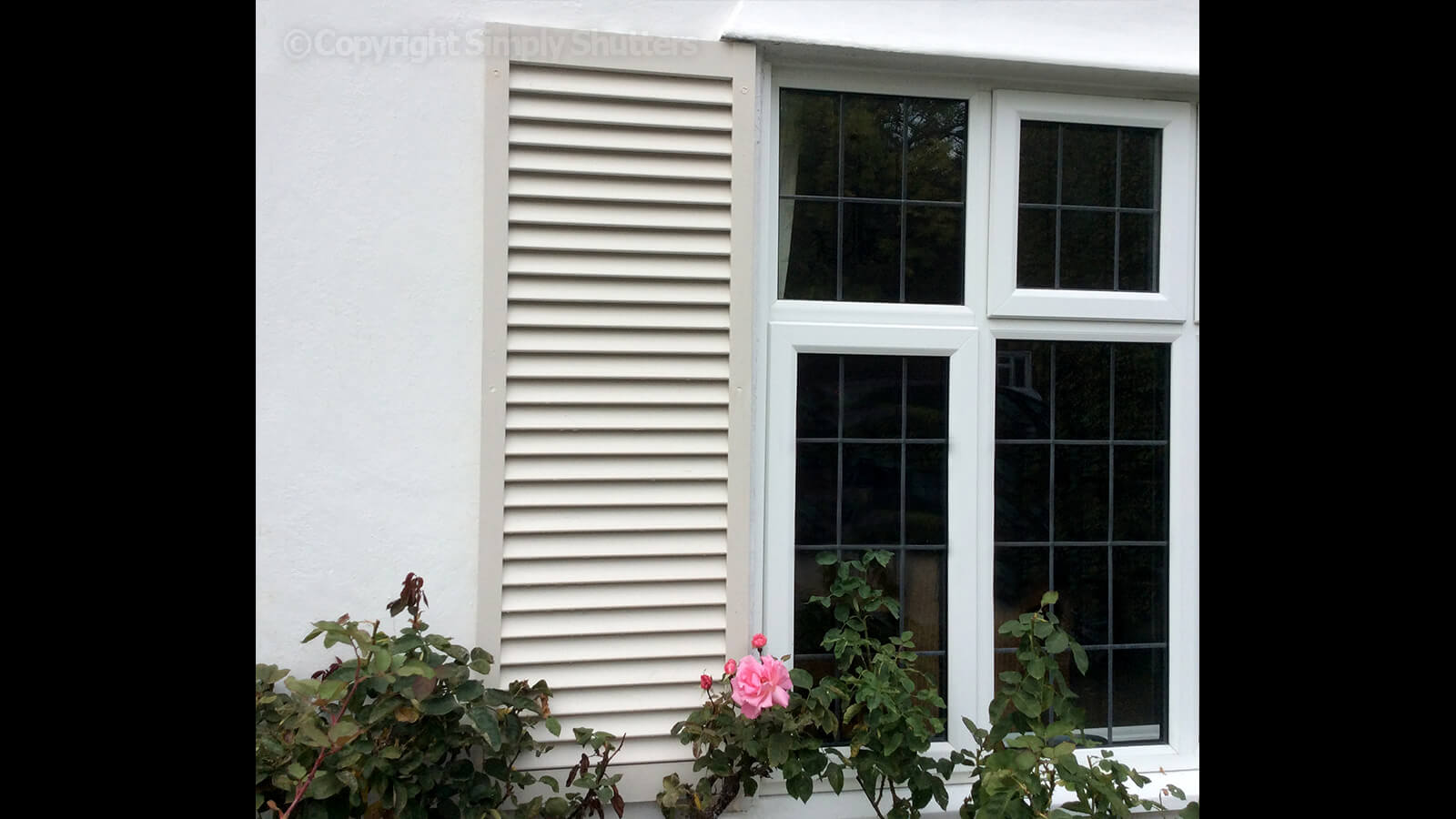 Town & Country Redwood - The Kensington (shutters painted by customer)